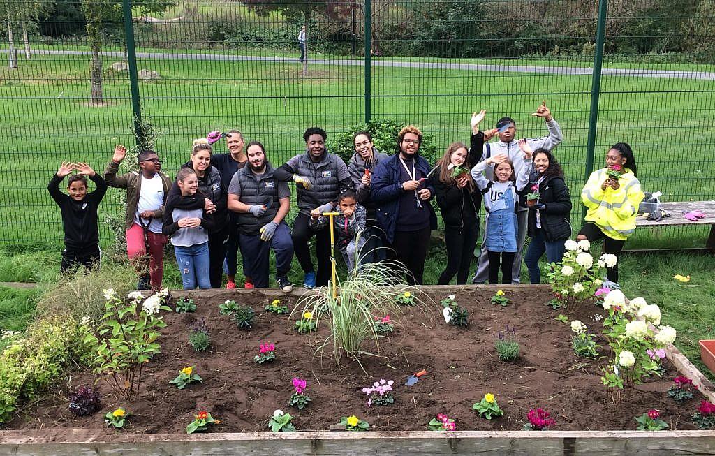 Young People's Volunteering | Lewisham Local