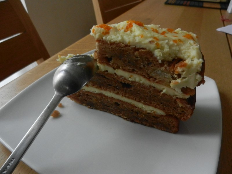 Brockley-Deli-Humming-Bird-cake