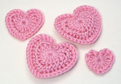 Crocheted Hearts for Patients Suffering from Cancer at Lewisham Hospital